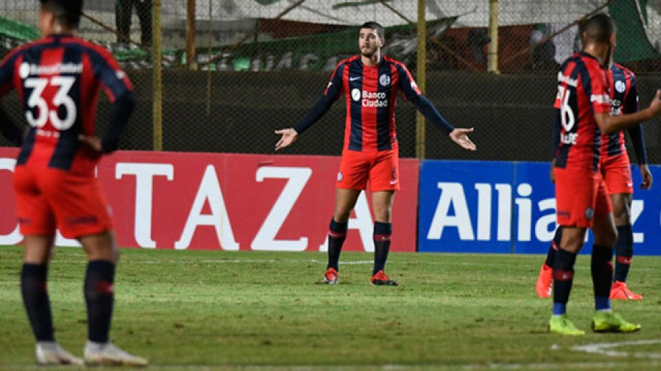 Estudiantes de San Luis dio el golpe y eliminó a San Lorenzo.