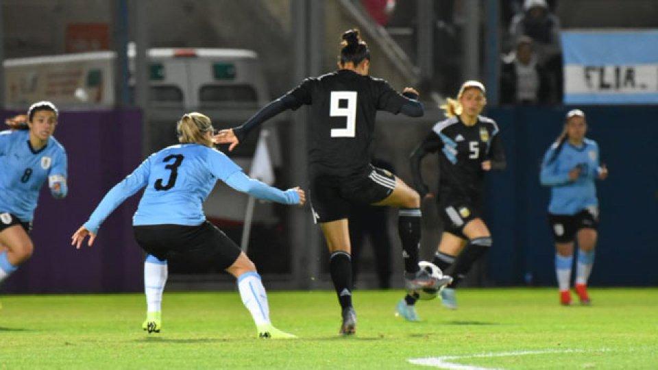 La Lobi Jaimes, de Nogoyá, anotó el segundo tanto de la Selección Argentina.