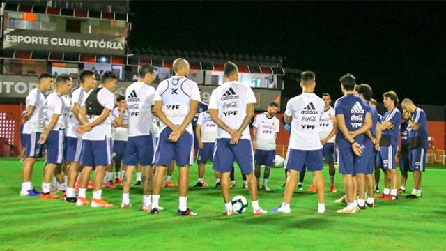 Scaloni tendría los once para el debut en la Copa América.