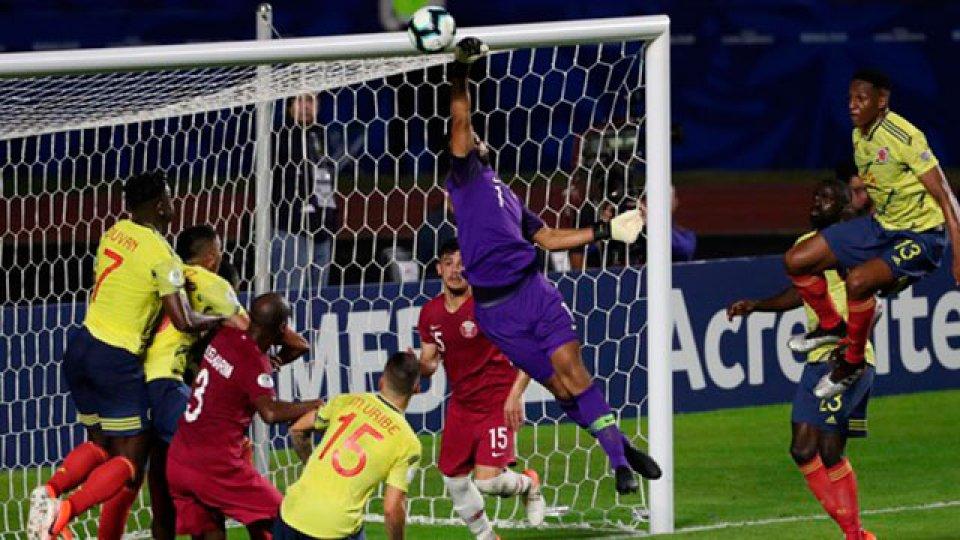 Colombia derrotó en el final a Qatar y está en cuartos de final.