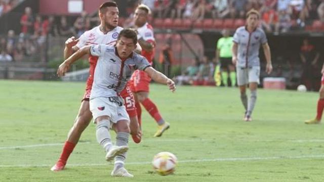 El Sabalero y el Bicho abren la temporada en Santa Fe por la Sudamericana.