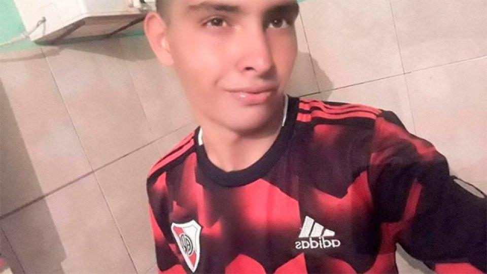 Joven de 17 años murió tras atajar un penal con el pecho.