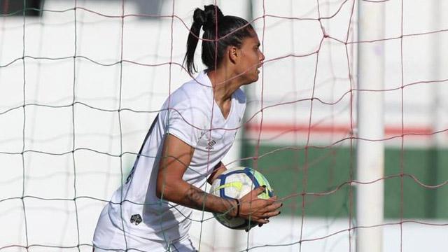 La Lobi Jaimes volvió con todo al Santos de Brasil donde marcó dos goles.