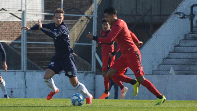 Patronato cerró su serie de amistosos con un empate ante Talleres en el Grella