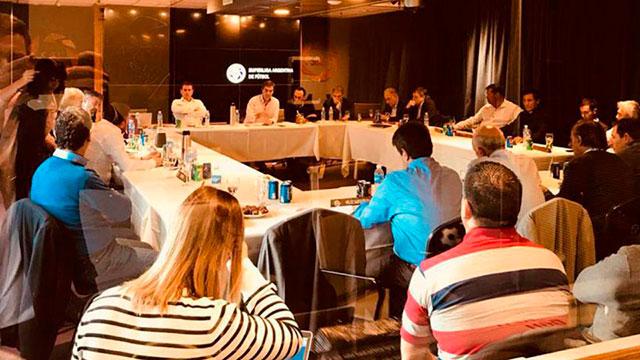 Conflicto en la Superliga: 12 clubes presionan para modificar el sistema de descensos