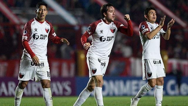 Colón superó a Argentinos por penales y está en cuartos de la Copa Sudamericana