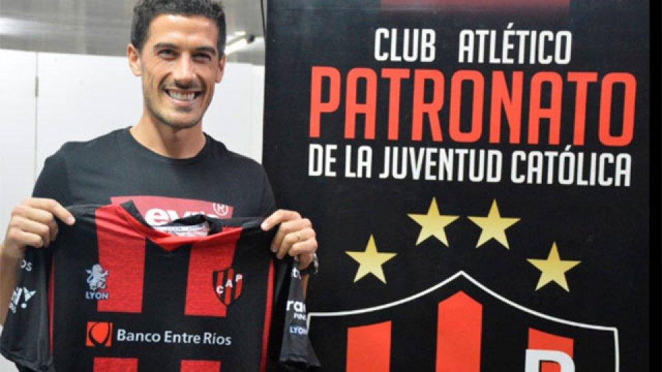 Dardo Miloc firmó y es oficialmente jugador de Patronato.