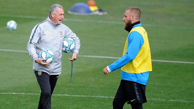 Con el esperado debut de De Rossi, Boca enfrenta a Almagro por Copa Argentina.