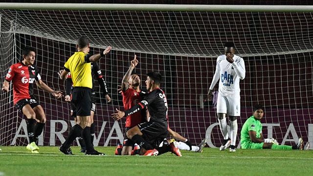 Copa Sudamericana: Colón goleó a Zulia y logró una histórica clasificación a semifinales