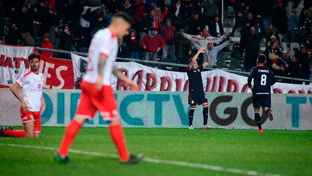 Superliga: Estudiantes goléo 3 a 0 a un Independiente con pocas respuestas