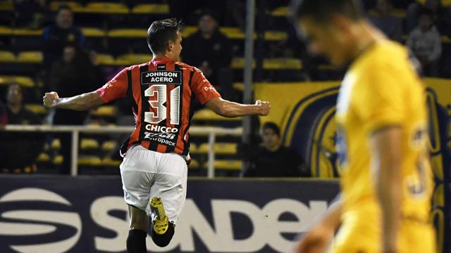 El Patrón aguantó, golpeó cuando pudo y se llevó un empate de Rosario.