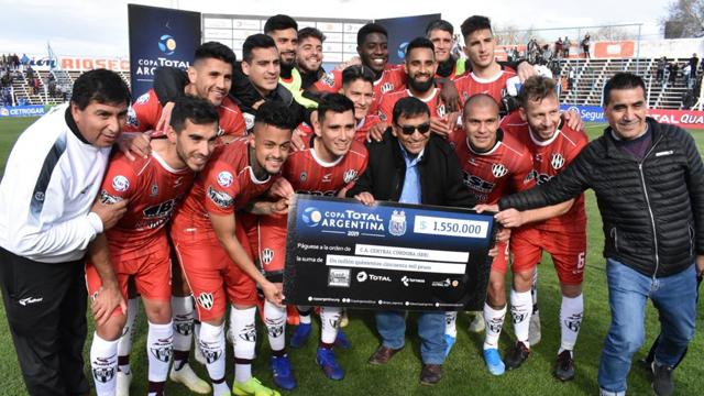 El Ferroviario logró un buen triunfo para seguir adelante en la Copa Argentina.