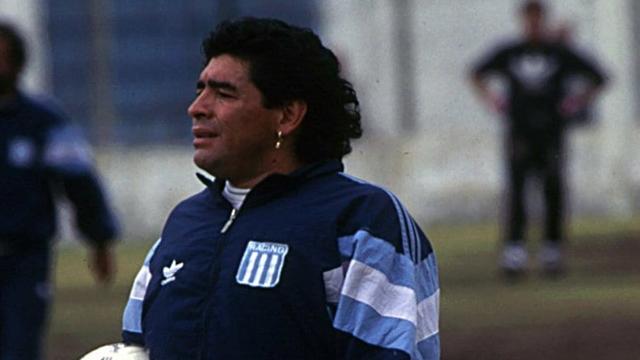 El Diez enfrentará a Racing, el último equipo argentino que dirigió en Primera.