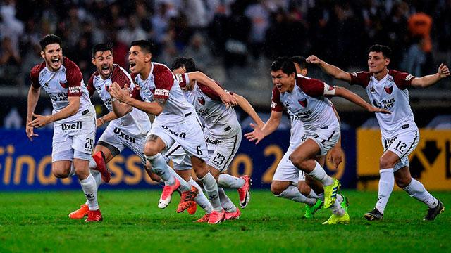 Colón le ganó por penales a Mineiro y es finalista de la Copa Sudamericana.