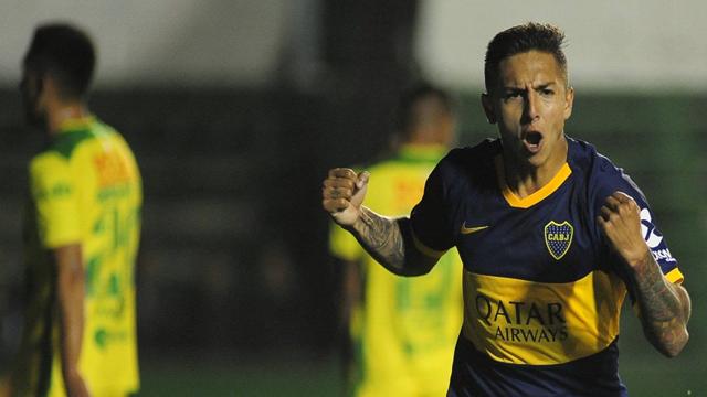 con lo justo, el Xeneize venció al Halcón y es el único líder de la Superliga.