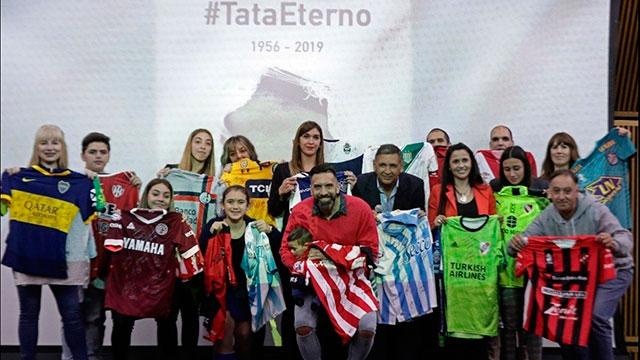 La Superliga realizó un nuevo y emotivo homenaje al Tata Brown