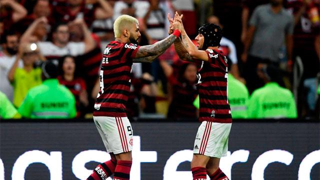 Flamengo aplastó a Gremio 5-0 y es finalista.
