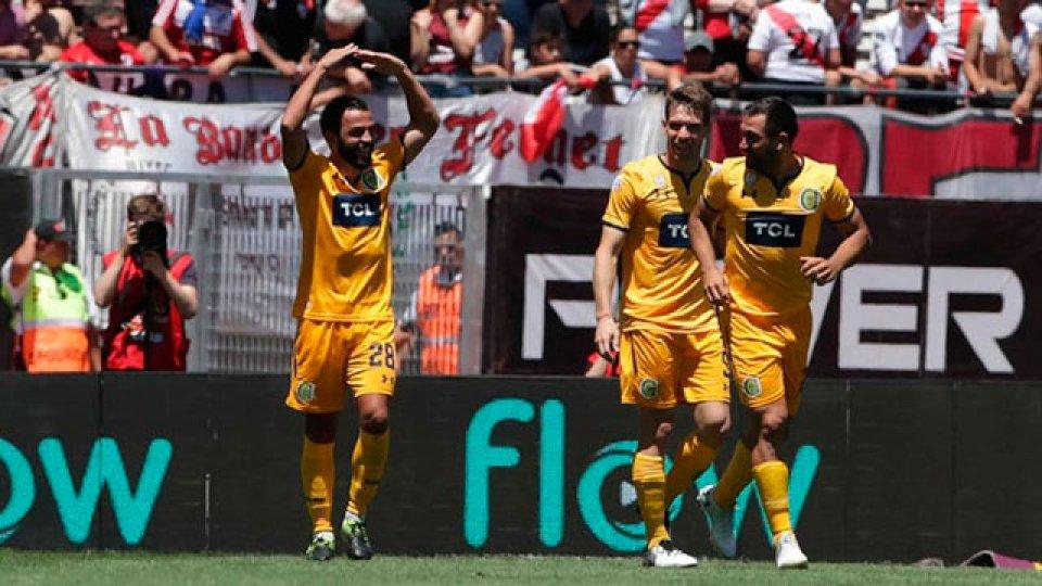 Rosario Central sorprendió a River y le ganó 1-0 en el Monumental - Elonce.com