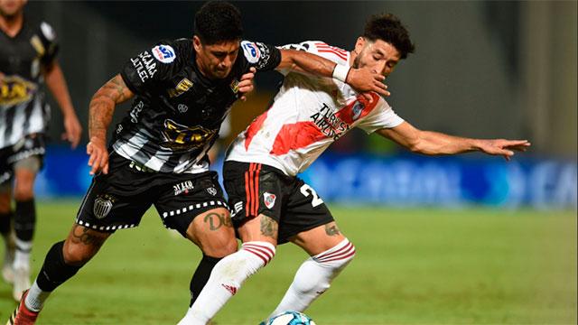 River le ganó por 2-0 a Estudiantes de Buenos Aires y es finalista.
