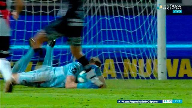 La gran polémica de River-Estudiantes: ¿Fue falta contra Franco Armani?.