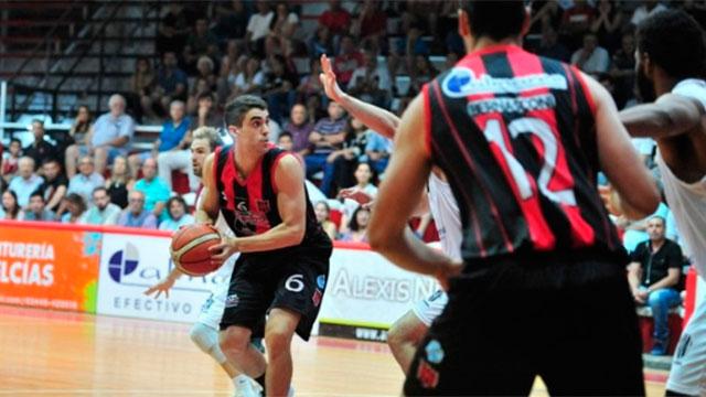 Central Entrerriano ganó pero Estudiantes de Olavarría se clasificó al Súper 4.
