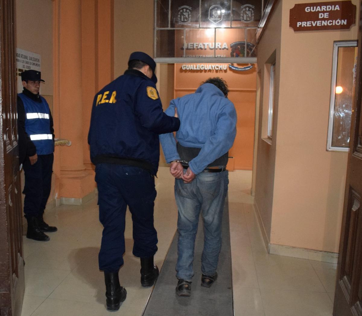 Tres detenidos por droga en el barrio La Tablita